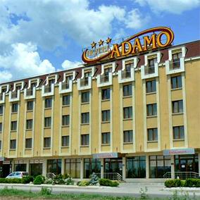 Хотел Адамо