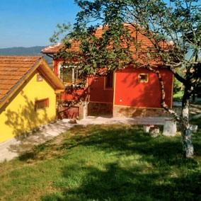 Шарените Къщи до Ябланица